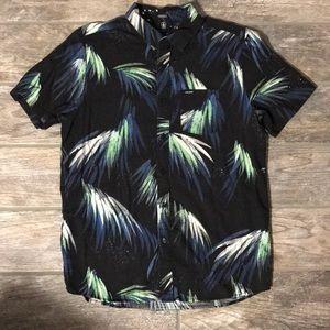 Volcom shirt sz L